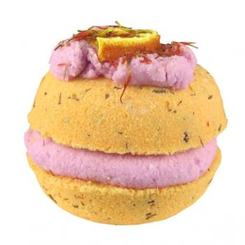 Lovely Bubbly - Orange and spice macaron