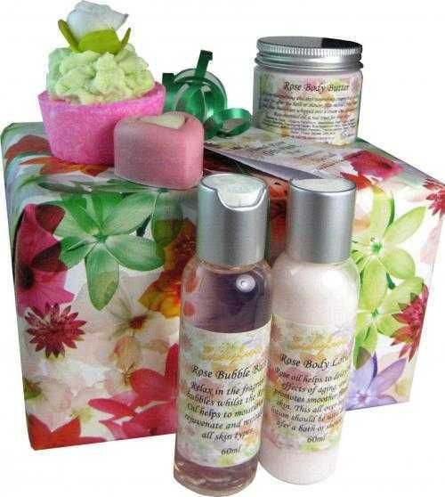 Lovely Bubbly - Rose Gift Pack
